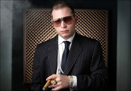 http://urie.files.wordpress.com/2008/06/scott-storch.jpg