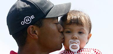new_tiger_woods_385_353240a